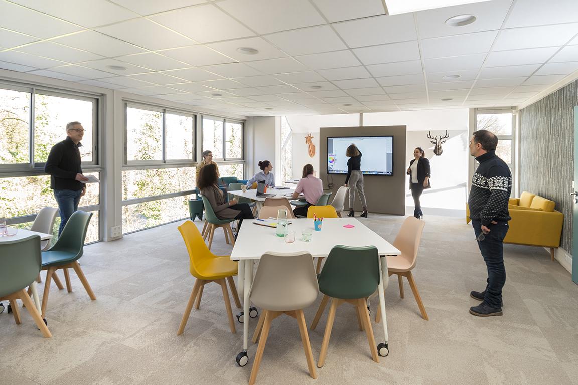 location salle de réunion, salle de formation, salle de séminaire, salle de conférences, ateliers, espace de travail disruptif et créatif, innovation